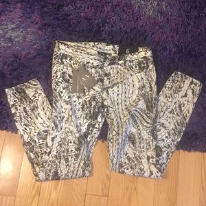 NWT Armani Exchange skinny legging denim, sz 6